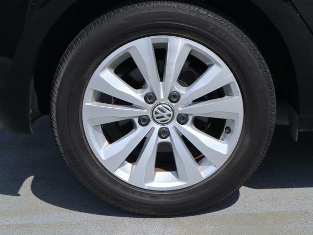 タイヤサイズは205/55/R16です。