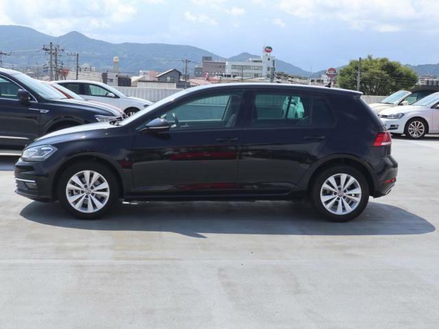VW富士 毎週水曜、毎月第一第三火曜定休日となります。