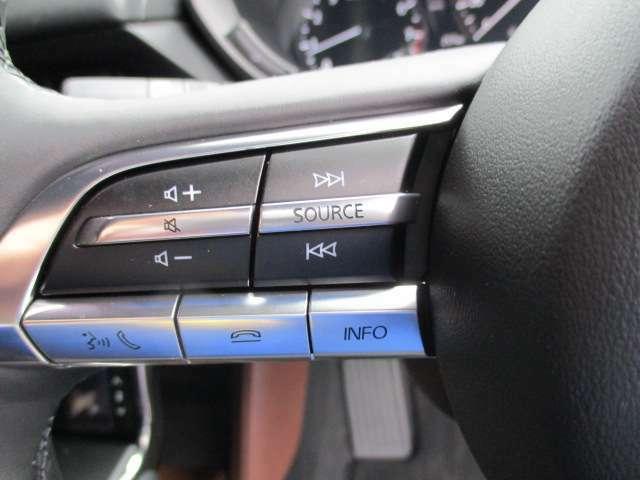 ★ステアリングオーディオスイッチ★ハンドルから手を放さずに操作gは出来て安全&ラクラク!