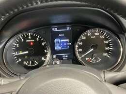 2台前の車両を検知!高速道路で2台前の車が突然減速すると音と表示で知らせてくれます!