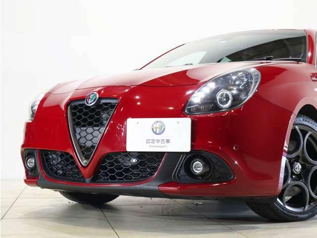 この角度から見る流麗なボディラインはイタリア車ならではのデザイン性です!