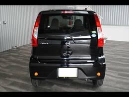 純正CD・エマージェンシーブレーキ・電格ミラー・Wエアバッグ・ABS・横すべり防止・フロアマット・バイザー・キーレス付です。