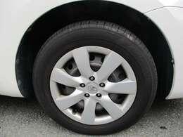 純生ホイールキャップ付きタイヤです。