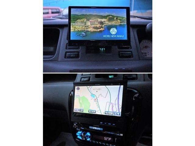 上部にはモニターを搭載☆オーディオ部にはナビゲーションとDVDプレーヤーを搭載しています♪運転手の方はナビ、同乗者の方は上部のモニターで音楽DVDやTVを楽しむ事も可能です♪