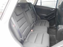 後席の方にも快適なドライブを提供するゆとりの居住空間