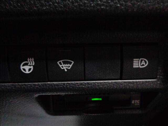 ETC・ステアリングヒーター・オートライト装備しております!!