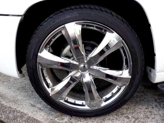 『dolce』22インチアルミホイ-ル!タイヤサイズは265/40R22です。