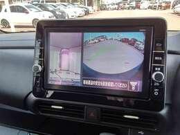 アラウンドビューモニター バックビューはもちろん、上から見下ろしたような画像が駐車時のお手伝いをします!