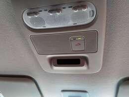 SOSコール搭載 いという時にボタンひとつで専門オペレーターにつながります。エアバッグ展開にも連動しています。