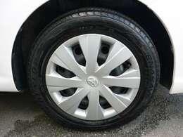タイヤサイズ175/65R15です!現在装着タイヤ!ダンロップ!エナセーブEC204!タイヤ4本残り溝6mmあり!走行25000km位可能です!