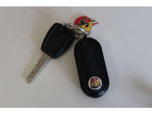 ●キーレスエントリー♪離れた場所からでも鍵の開閉が可能です!アンサーバックも付いて便利な装備ですよ!