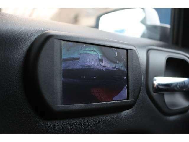 ☆サイドカメラ付きで狭い道なども安心ですね!