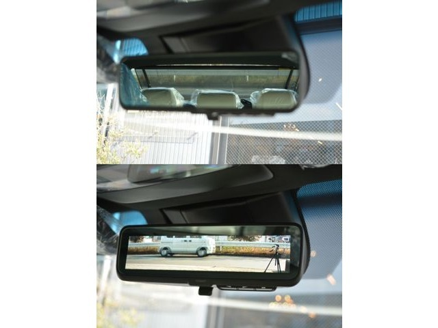 ■デジタルインナーミラーが装備されておりますので、後方の確認もしやすくなっております。
