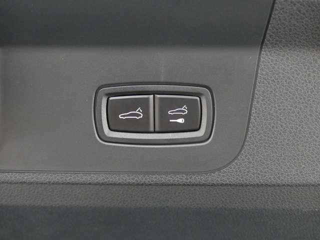 ☆各種パーツ(エアロ、ローダウンサスペンション(車高調)、レーダー探知機、TVキャンセラーキット、LEDランプ、スモークフィルムなど)の取り付けなども可能です。(※但し、車検対応品に限ります。)