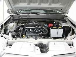 くるまるクリーンできれいに!エンジンルームの油汚れも洗浄しています!