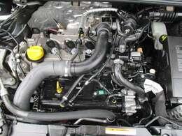 綺麗なエンジン!オイルの滲みもありません!