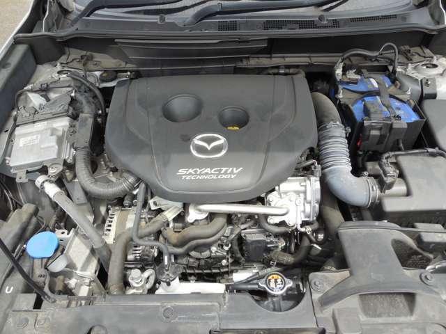 マツダ自慢のエンジンです。溢れる力と良好な燃費を両立しております。この快感を是非ご体感ください。