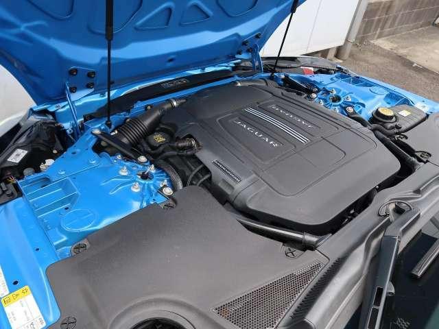 オール・アルミニウム製ボディに380馬力を発揮する3Lスーパーチャージドガソリンエンジンを搭載!JAGUARの量産車の中でも優れたダイナミクス性能、高いパフォーマンスを実現するモデルです。