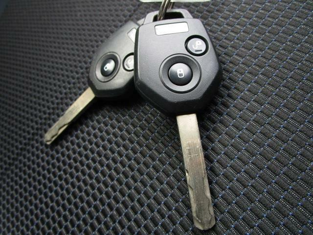 ■ 装備5 ■ キーレスキー×2:便利な鍵開閉リモコン付き!スペアもあります!