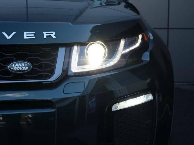 スタイリッシュなデザインのHIDヘッドライト!明るい光で視認性も良く、夜間や雨の視界が悪い時でも安心してドライブできます!