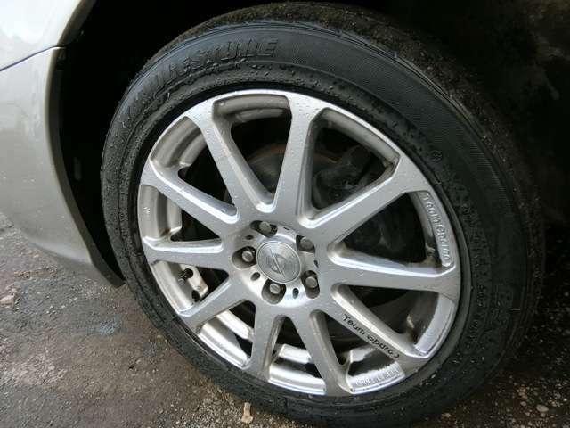 ご購入のお客様であればお持ちの冬タイヤを取り付けたい方は無償でいたします。