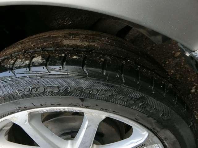 夏タイヤ装備♪冬タイヤはついておりません。別途料金にて中古タイヤはございます。ご相談ください。
