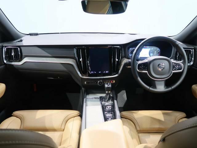 V60上級グレードが入庫しました!21万円で装備可能なOP「サンルーフ」開放感があるので運転も楽しくできます。さらに16個の先進安全機能も装備されております!ご試乗車もございますので是非ご体験ください
