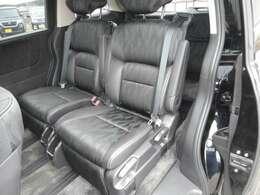 セカンドシートはオットマンシートでゆったり快適ドライブです♪