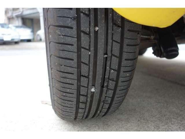 タイヤの溝も画像のとおり残ってます。