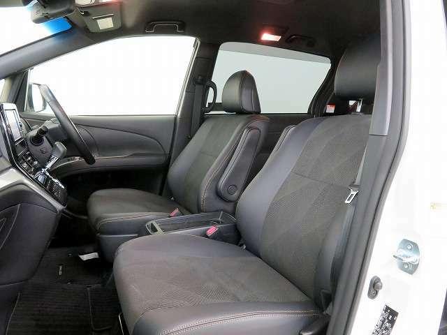 ■ブラック合皮コンビシート/運転席パワーシート/納車時には除菌や消臭に効果のございます当店オリジナルのオゾンクリーニングを施工致します!