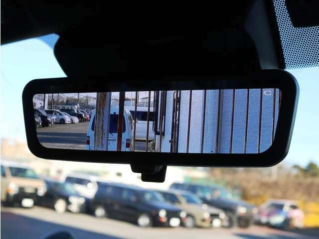 メーカーオプション デジタルインナーミラー!車両後方の映像を常にミラーに映し出します♪