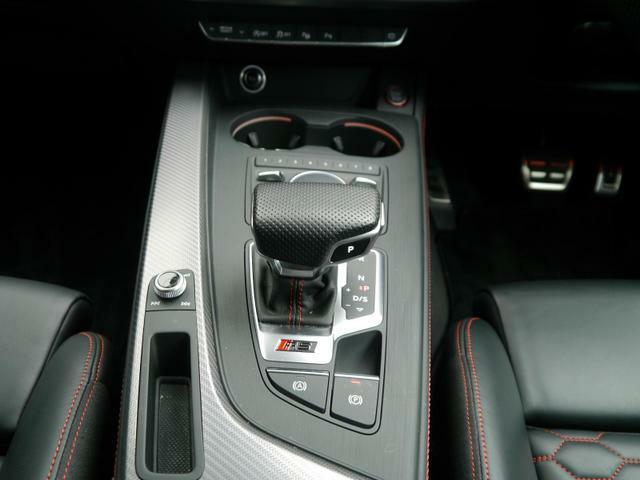 そのモデルの特性に最適なトランスミッションを採用することにより、駆動力の伝達効率が良く、燃費性能にも大きく寄与しています。