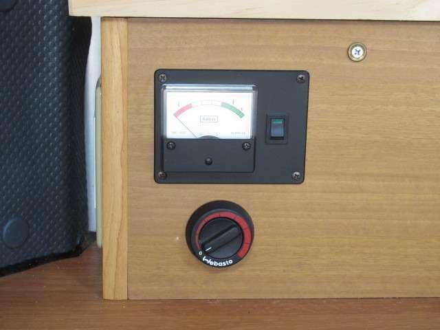 メイン電源スイッチとFFヒーターのスイッチです♪