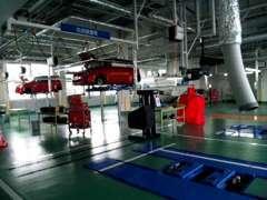 運輸局指定工場も敷地内に完備。全国スズキディーラーきっての広さと設備!購入後のメンテナンスも安心!