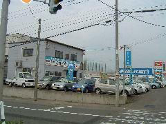 新琴似町、4番通り沿い!交差点角が当店です。