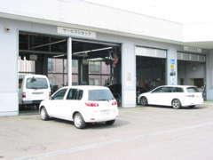 整備工場を併設しておりますので、車検・点検もお任せ下さい!