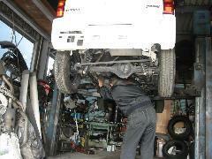 自社工場完備!納車前整備はもちろんアフターサービスも充実!せっかくの愛車、安心してお乗りいただける体制を整えております。