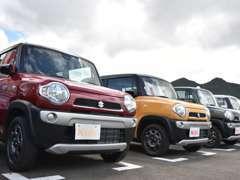 ずらり並んだ軽自動車ばかり在庫150台!新車も未使用車も、各メーカー各車種、各色を比べて検討ができます!