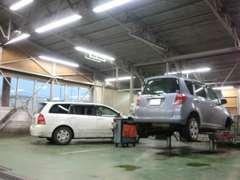 【サービス工場完備で購入後も安心です】工場を完備しています。アフターメンテナンスや保証修理もお任せ下さい。