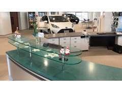 U-Car神居店は旭川市内最大級の展示場と展示車を完備!常時100台以上の展示車をご用意しております!中古車買うならトヨペット★