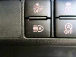 【オートマチックハイビーム】対向車のヘッドライトの明かりを感知するとハイビームを自動的にロービームに切り替え、対向車が通り過ぎるとハイビームに切り替えてくれる便利な機能です!