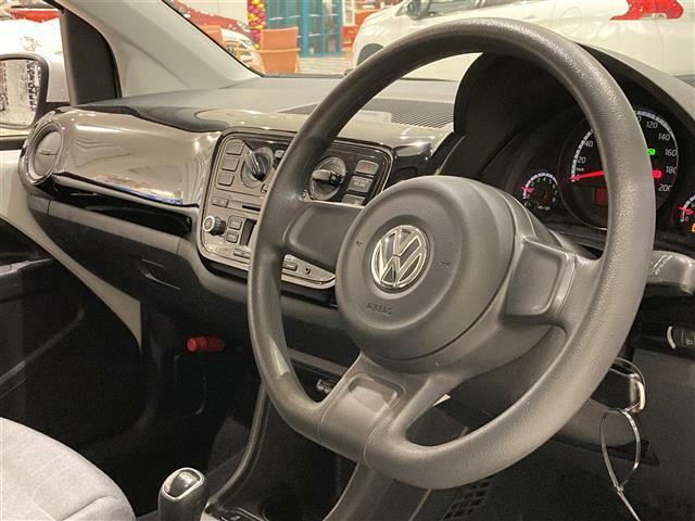 【シンプルなステアリングです!】安心の全車保証付き!その他長期保証もご用意しております!