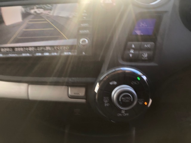 バックカメラも装備されています!駐車時の後方視界確保に役立ってくれます!