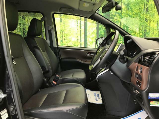 シンプルな運転席ですので、どなたでも直ぐ慣れるでしょう。