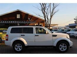 アメ車よりも日本車に近いサイズなので、乗用車に近い感覚で運転していただけます!