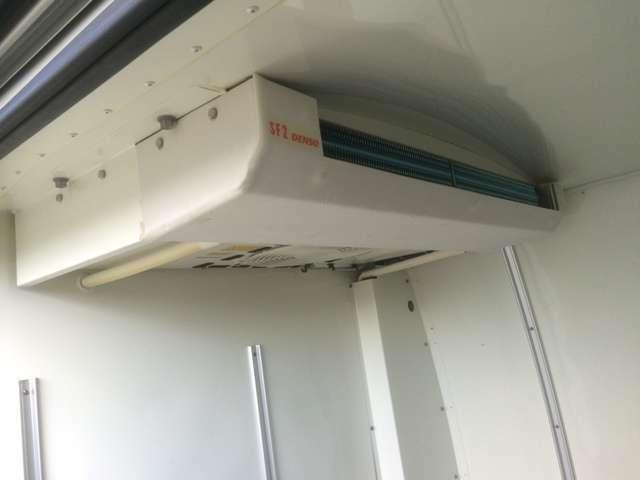 冷蔵冷凍車!マイナス7度からプラス35度設定!当店、積載車完備しておりますので、万が一の事故や故障の時にも安心してください!