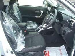 コンパクトSUVとは思えない広い室内空間、フロントシートはホールド性が高く疲れにくい