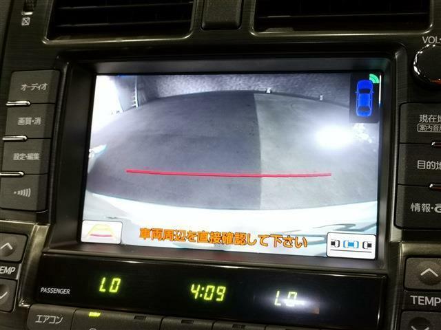 サイドカメラ・バックカメラ付き!駐車する際に障害物や小さなお子様など死角を防ぐにも重要な装備!