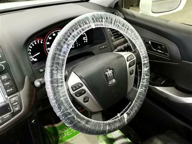 万が一への備えは大切です☆ 安心安全の『エアバッグ』『ABS』付!ハンズフリーフォン対応!運転中に着信した際、ボタンを押すことで通話が可能となっております!