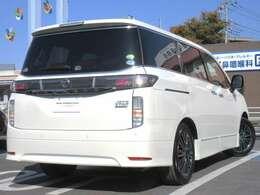 当社・日産プリンス埼玉の新車店舗にて、展示&試乗車として使用していたお車です。 ディ-ラ-オプションカタログに掲載の部品は、お車と一緒にご購入いただくことが可能ですので、お気軽にお申し付けください。